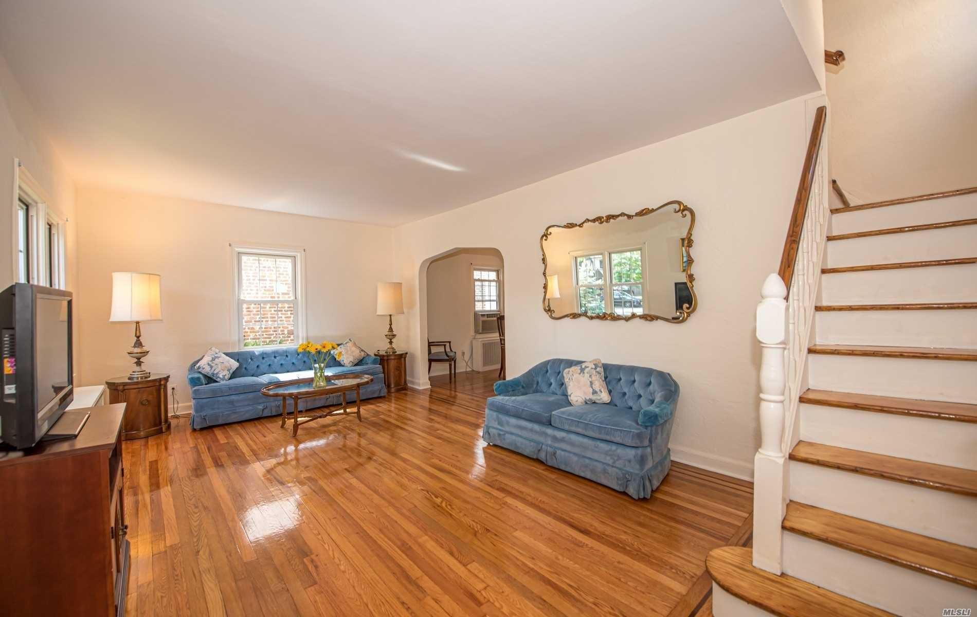 4902 Overbrook Street, Douglaston, NY 11362 - MLS#: 3247330
