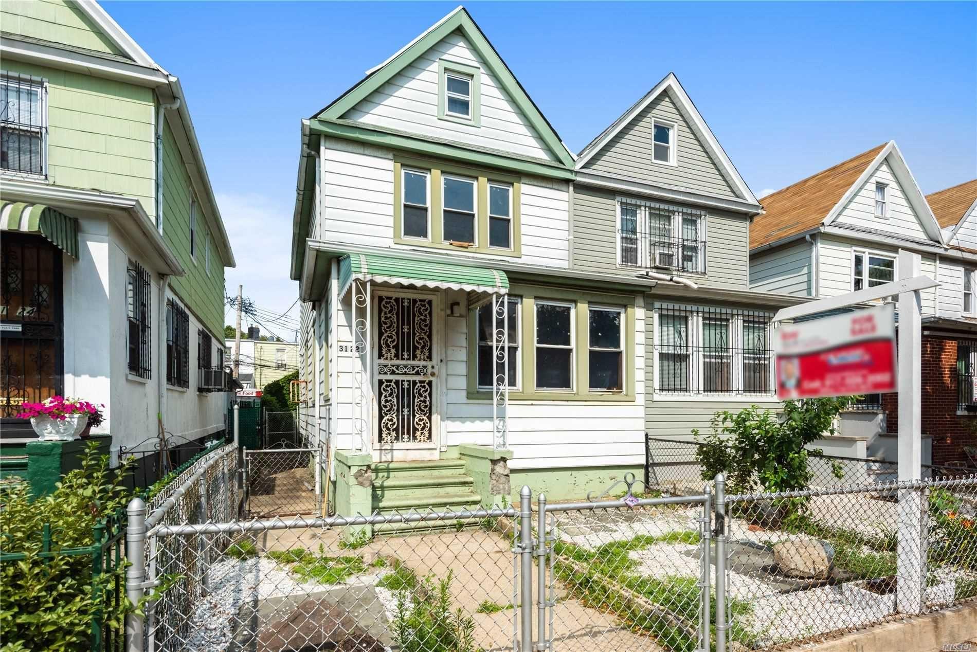 31-22 96 Street, E. Elmhurst, NY 11369 - MLS#: 3234332