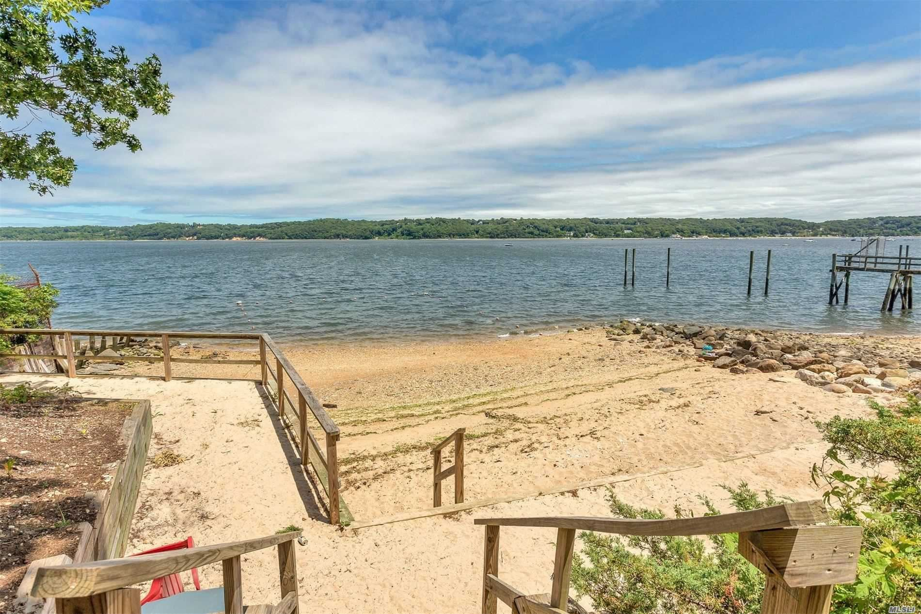 Photo of 41 Laurel Cove Road, Oyster Bay Cove, NY 11771 (MLS # 3224335)