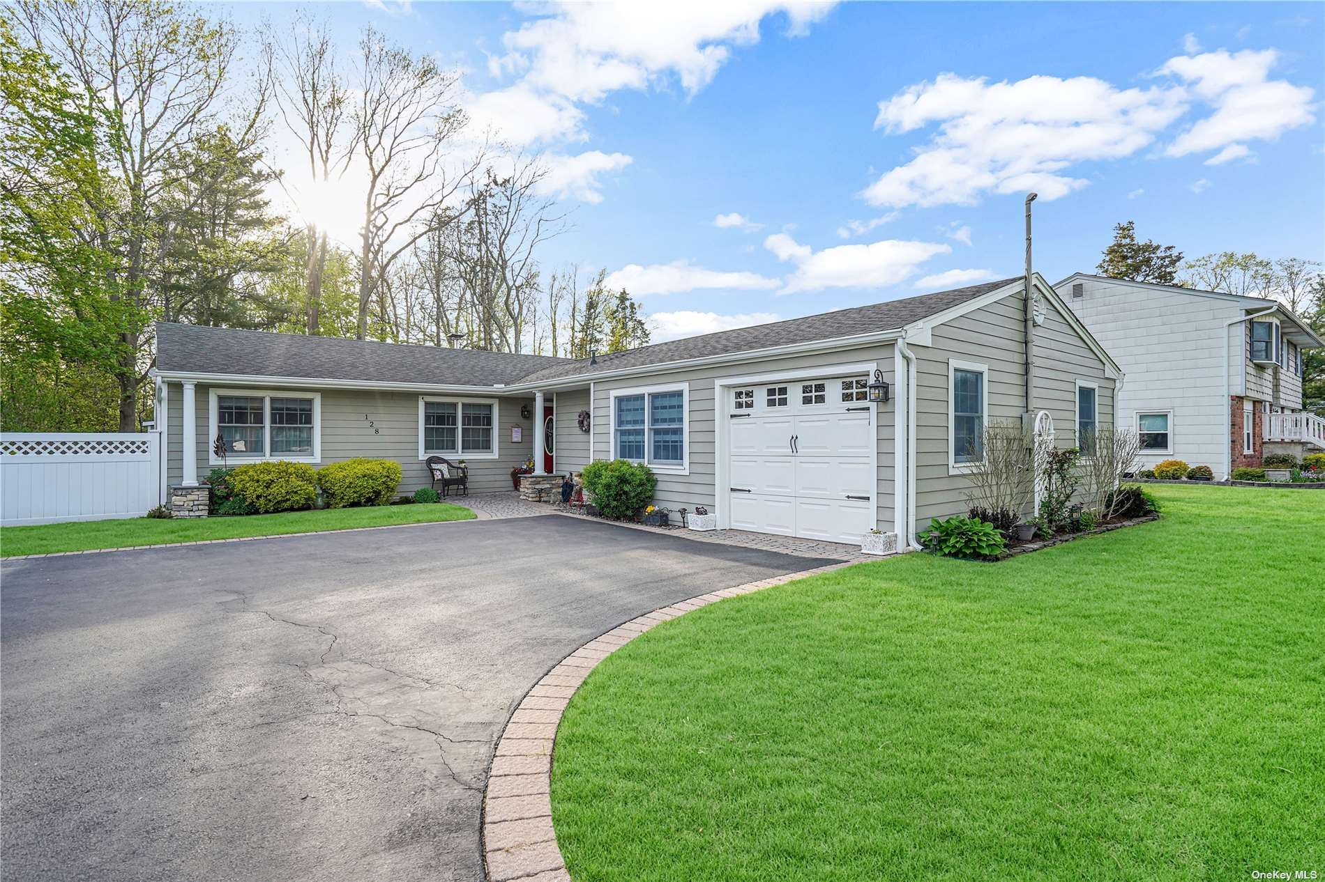128 Connetquot Road, Oakdale, NY 11769 - MLS#: 3309335