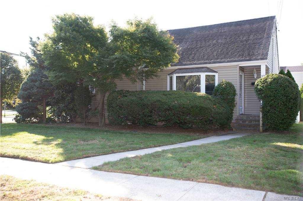32 Lester Avenue, Lynbrook, NY 11563 - MLS#: 3258336