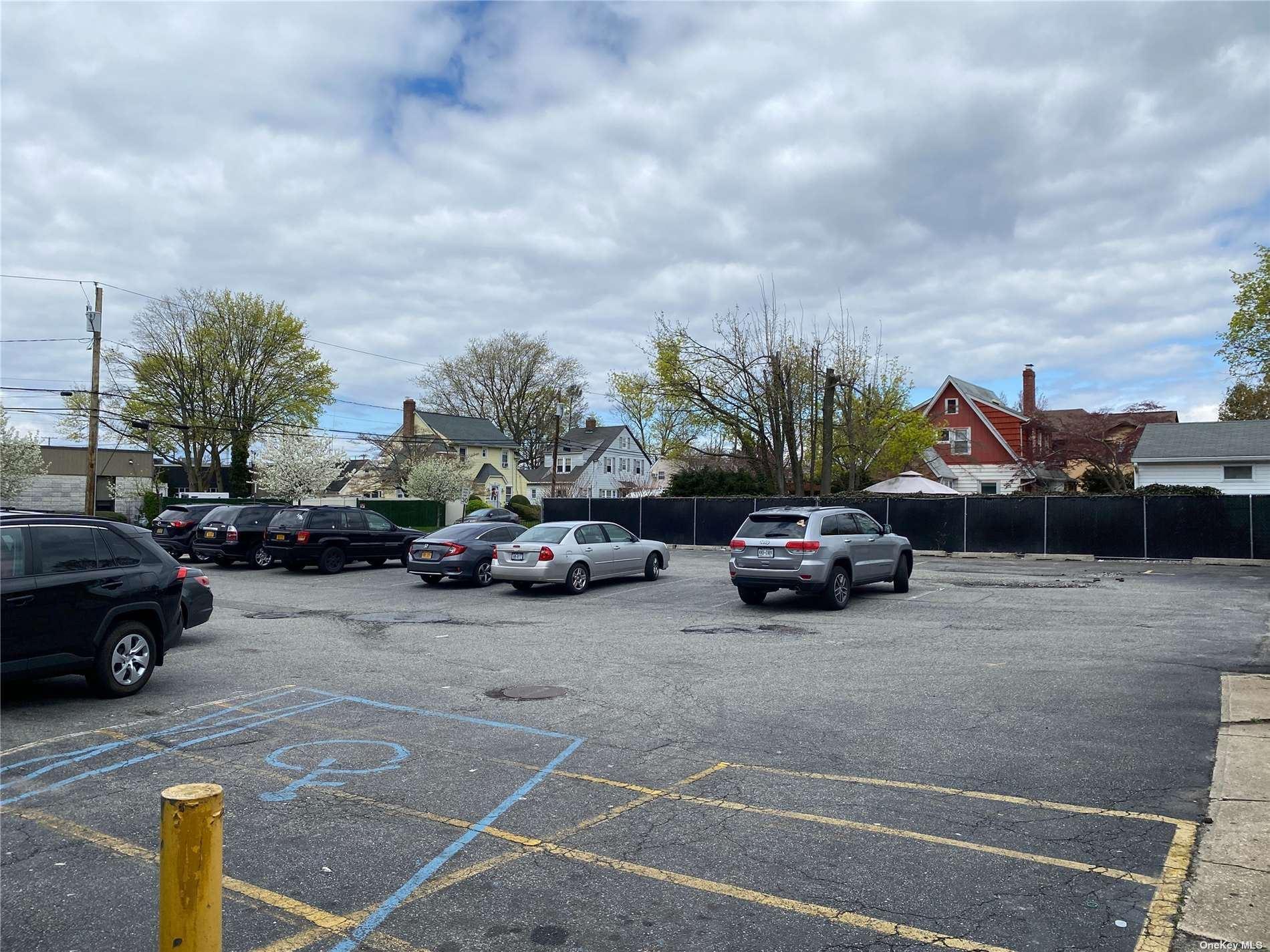 Photo of 5 Bethpage Road, Hicksville, NY 11801 (MLS # 3305341)