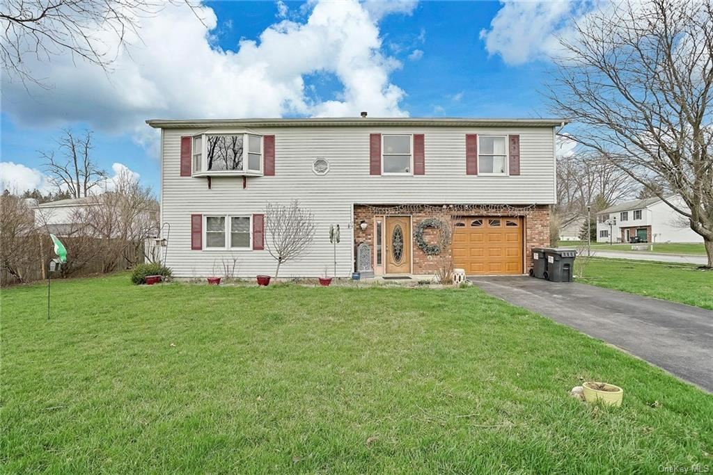 Photo of 15 Linden Drive, Walden, NY 12586 (MLS # H6107342)