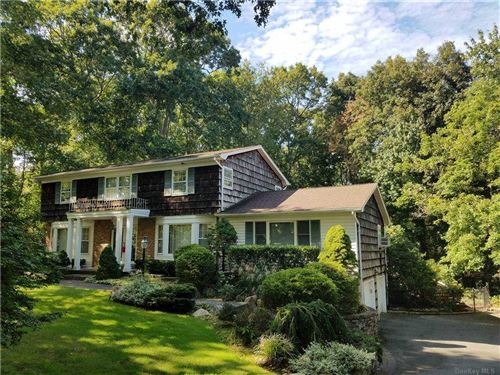 Photo of 3 Winwood Court, Dix Hills, NY 11746 (MLS # 3281343)