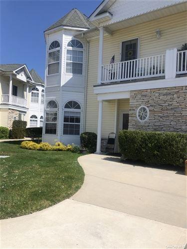 Photo of 313 Narragansett Villas Drive, Lindenhurst, NY 11757 (MLS # 3303344)