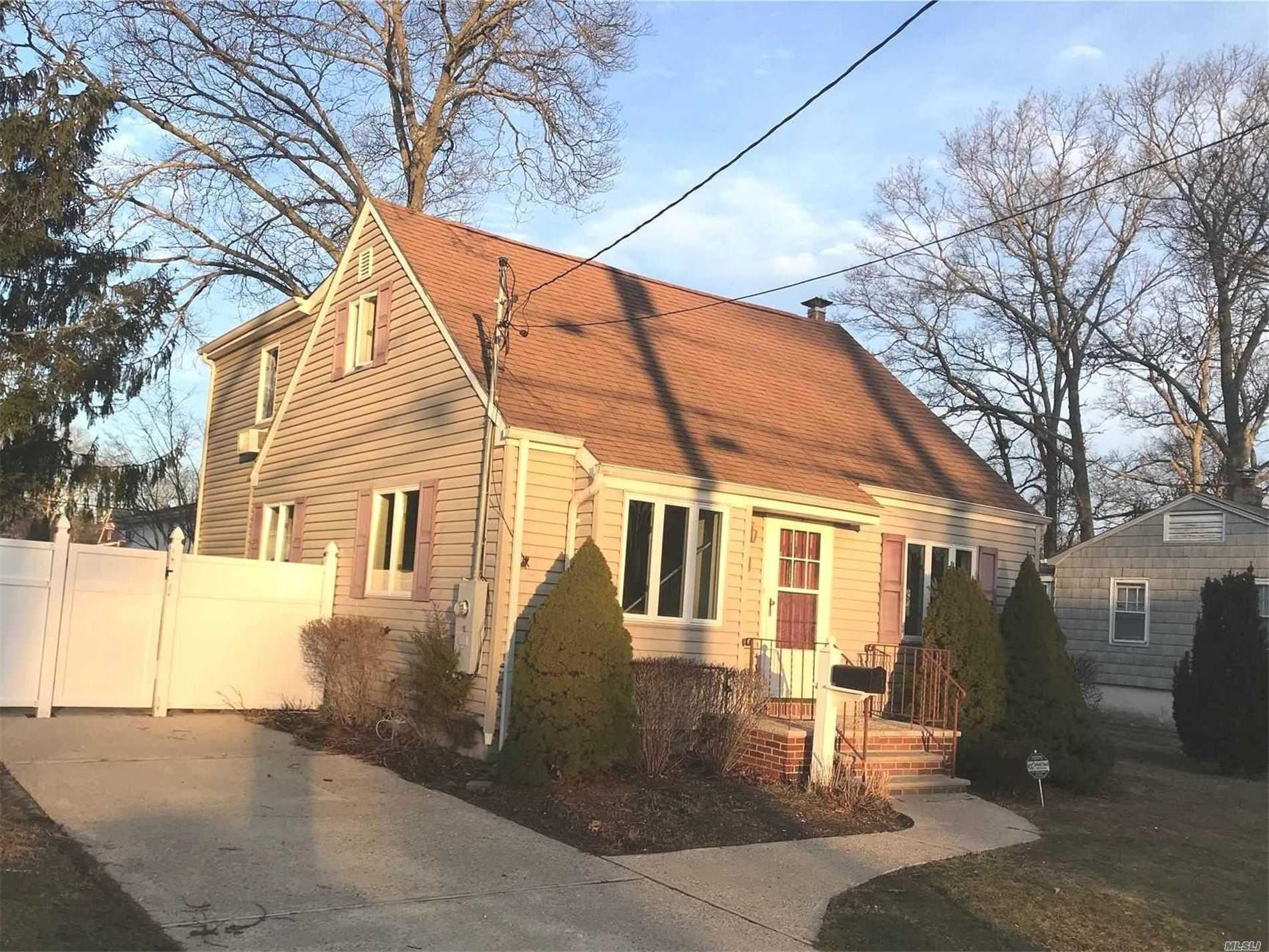 515 Mccall Avenue, West Islip, NY 11795 - MLS#: 3201344