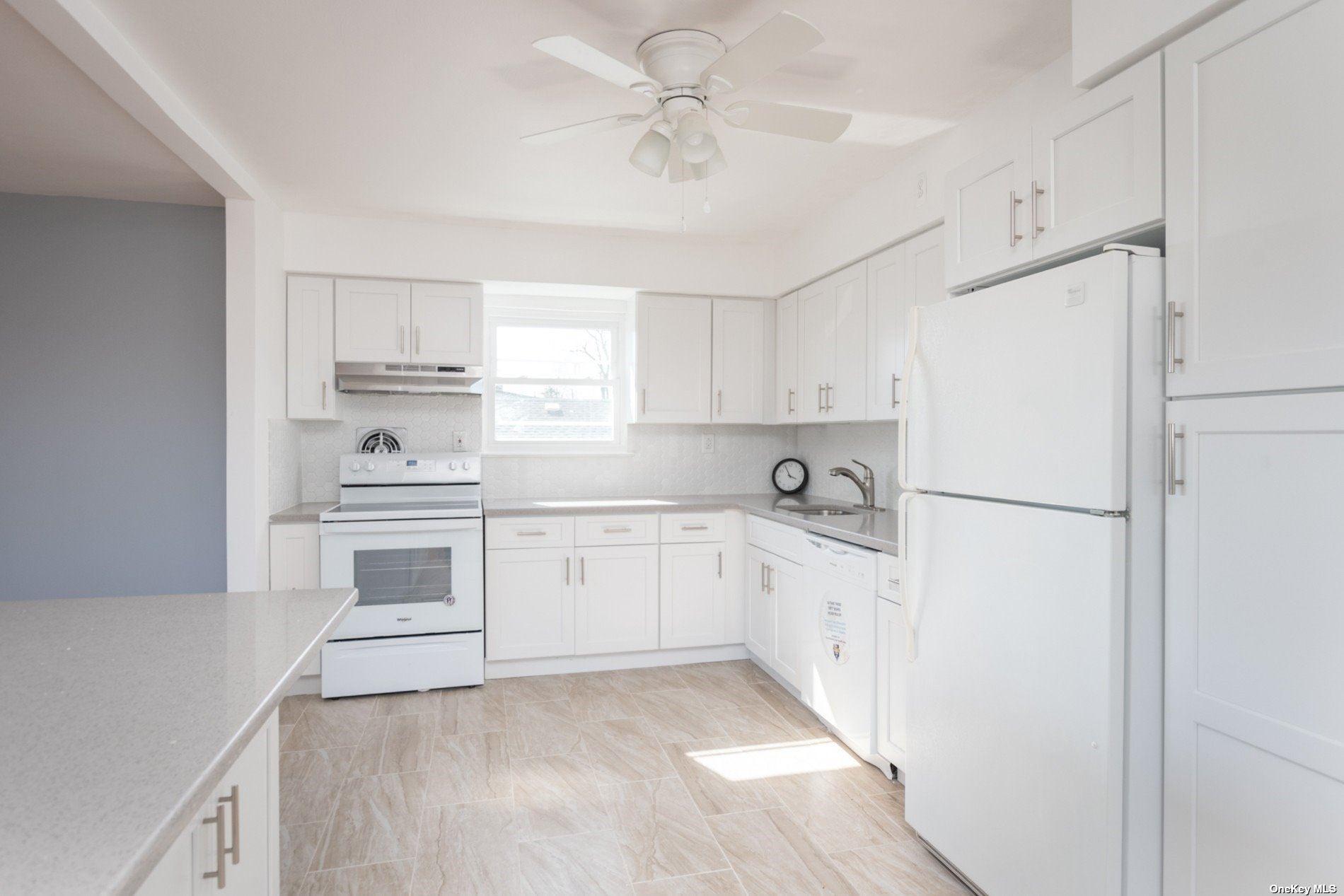 215 N Chestnut Street, Massapequa, NY 11758 - MLS#: 3306344