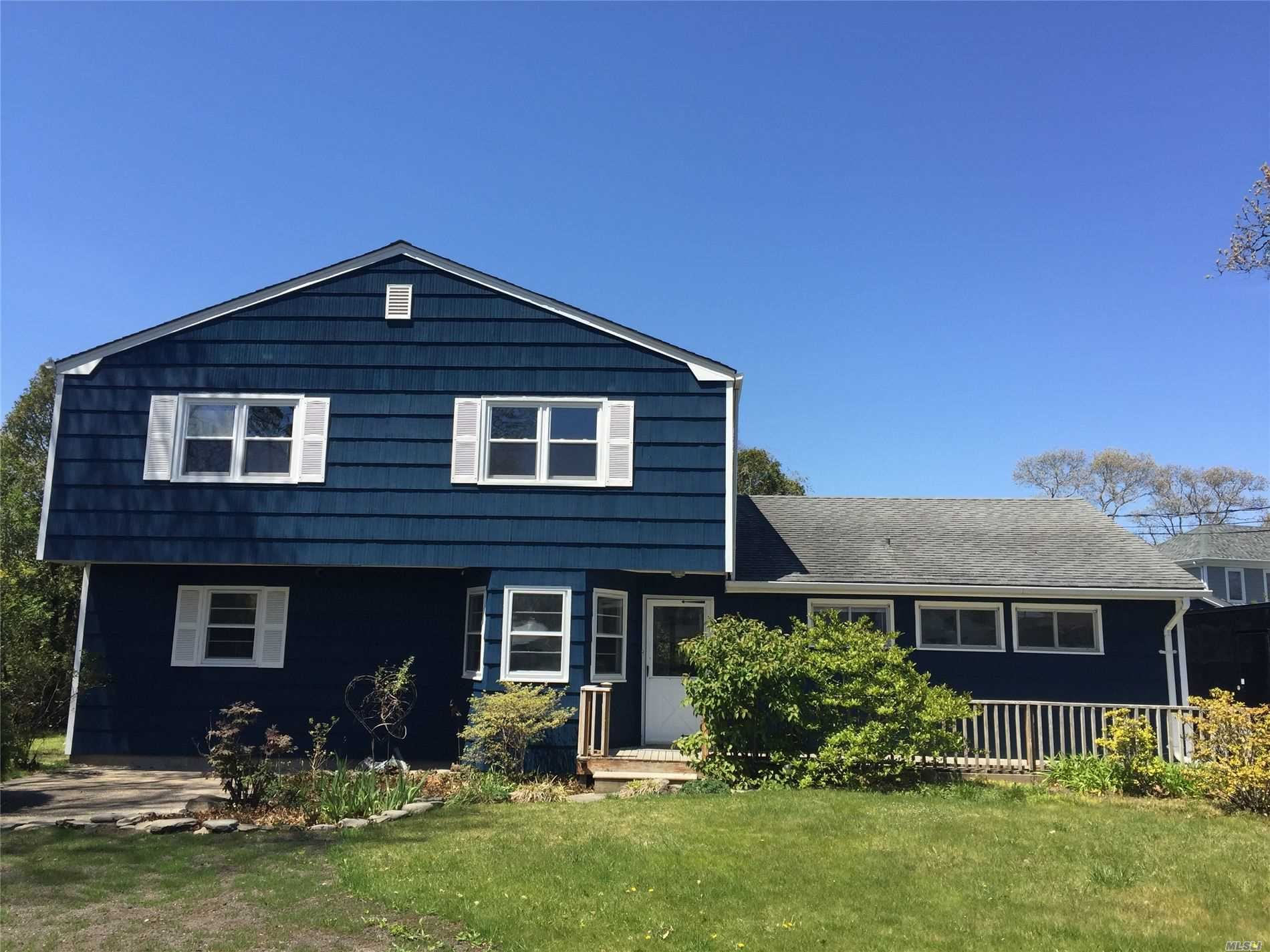 10 Whiting Rd, East Quogue, NY 11942 - MLS#: 3217345