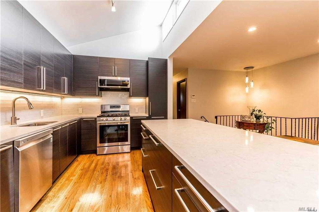 84-84 98th St, Woodhaven, NY 11421 - MLS#: 3253345