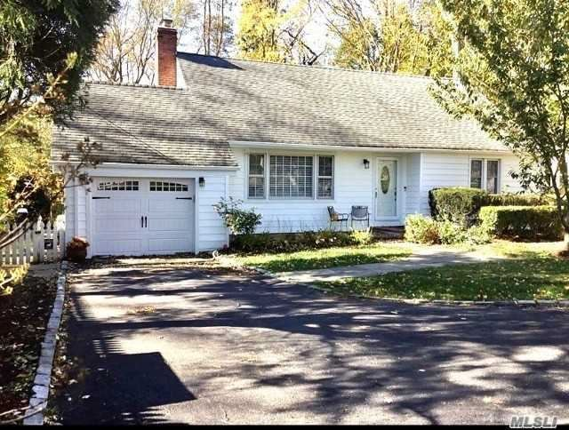 Photo of 15 Vernon Ave, East Norwich, NY 11732 (MLS # 3270347)