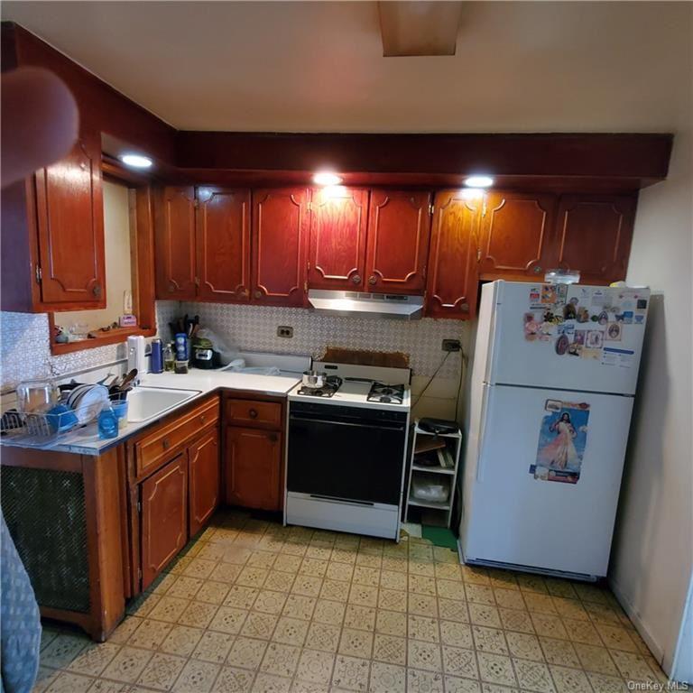 Photo of 167 Trenton Avenue, White Plains, NY 10606 (MLS # H6114348)