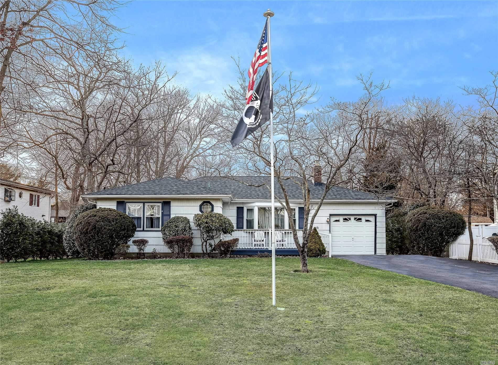 42 Lincoln Drive, Oakdale, NY 11769 - MLS#: 3191349