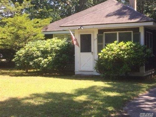 Photo of 35 Franklin Ave, Westhampton Bch, NY 11978 (MLS # 3201350)