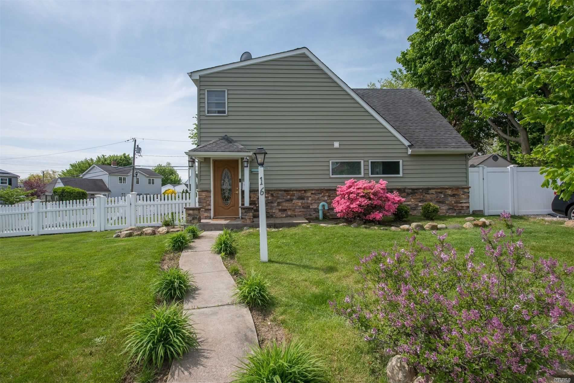 16 Sunrise Ln, Levittown, NY 11756 - MLS#: 3217350