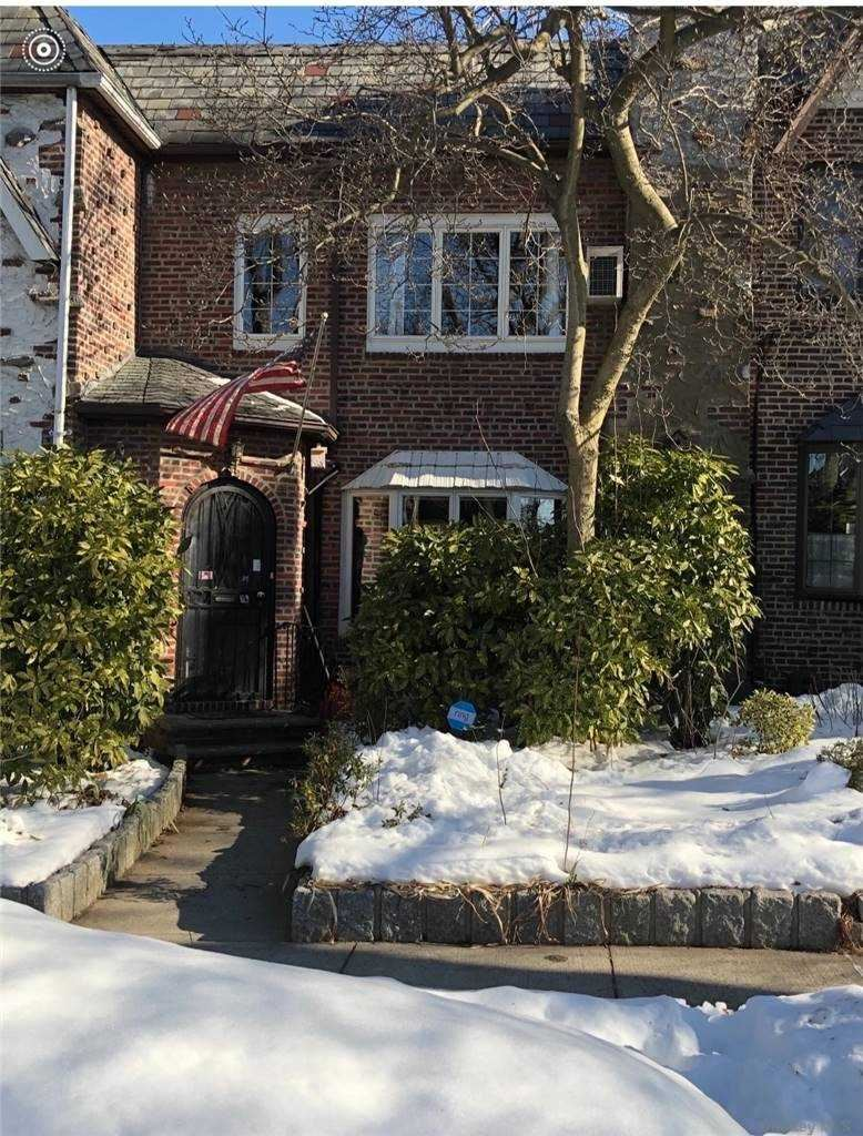 64-81 83rd Street, Middle Village, NY 11379 - MLS#: 3290351