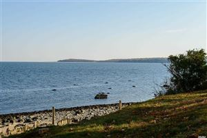 Photo of 17 Beach Dr, Lloyd Neck, NY 11743 (MLS # 3085354)