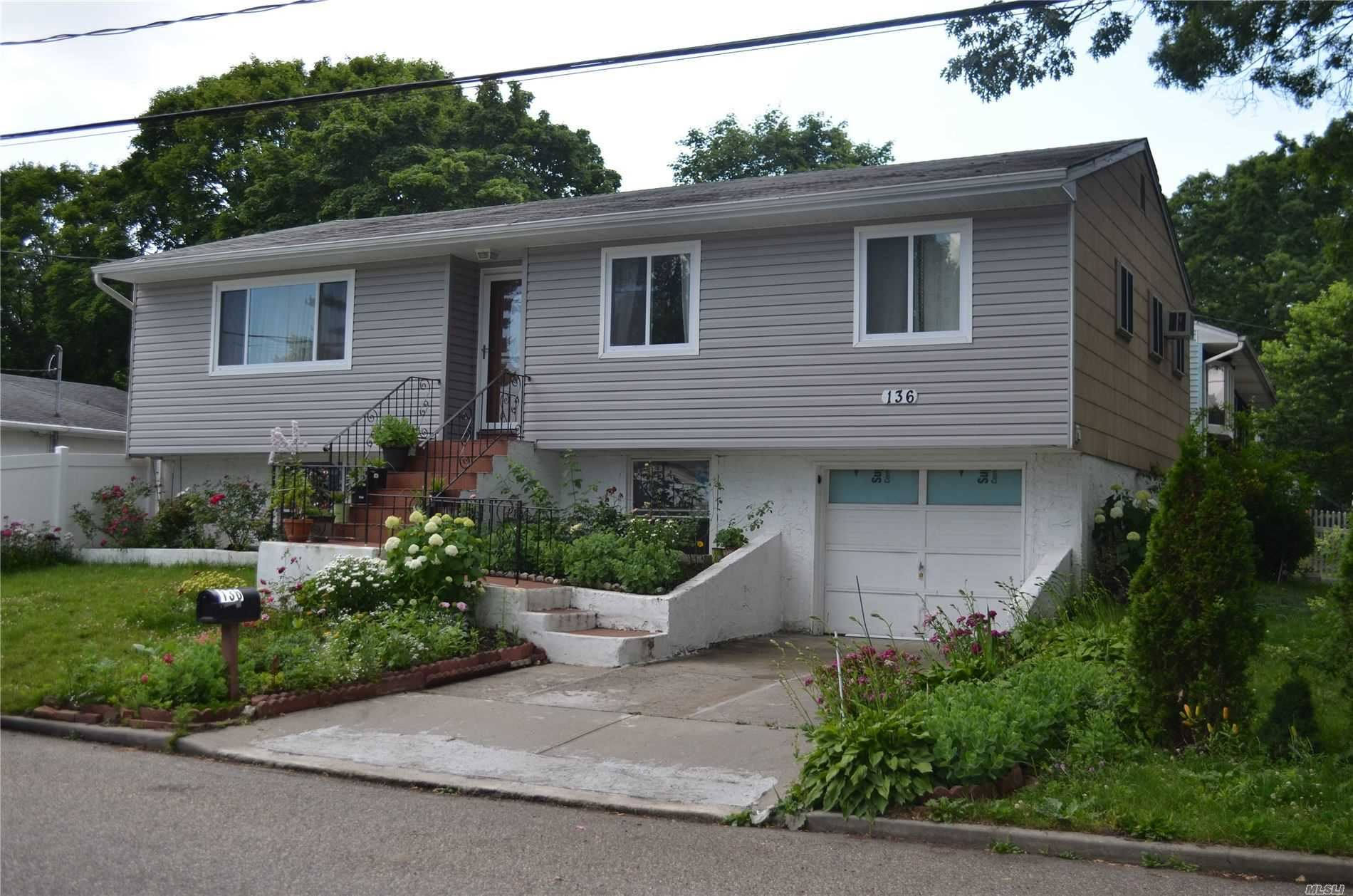 136 Farner Avenue, Selden, NY 11784 - MLS#: 3227355
