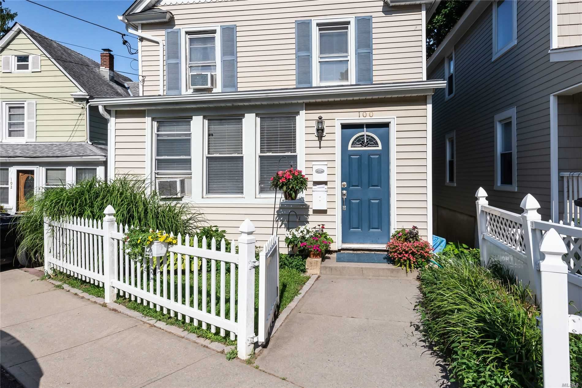 100 School, Oyster Bay, NY 11771 - MLS#: 3236355