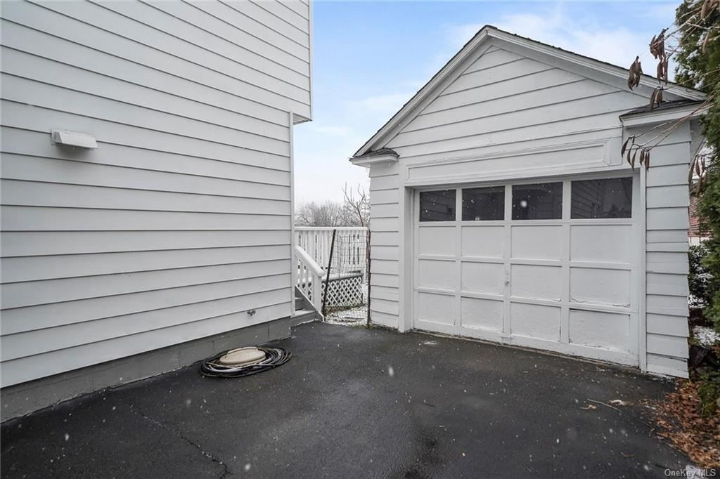 Photo of 18 Courtland Place, Middletown, NY 10940 (MLS # H6087355)