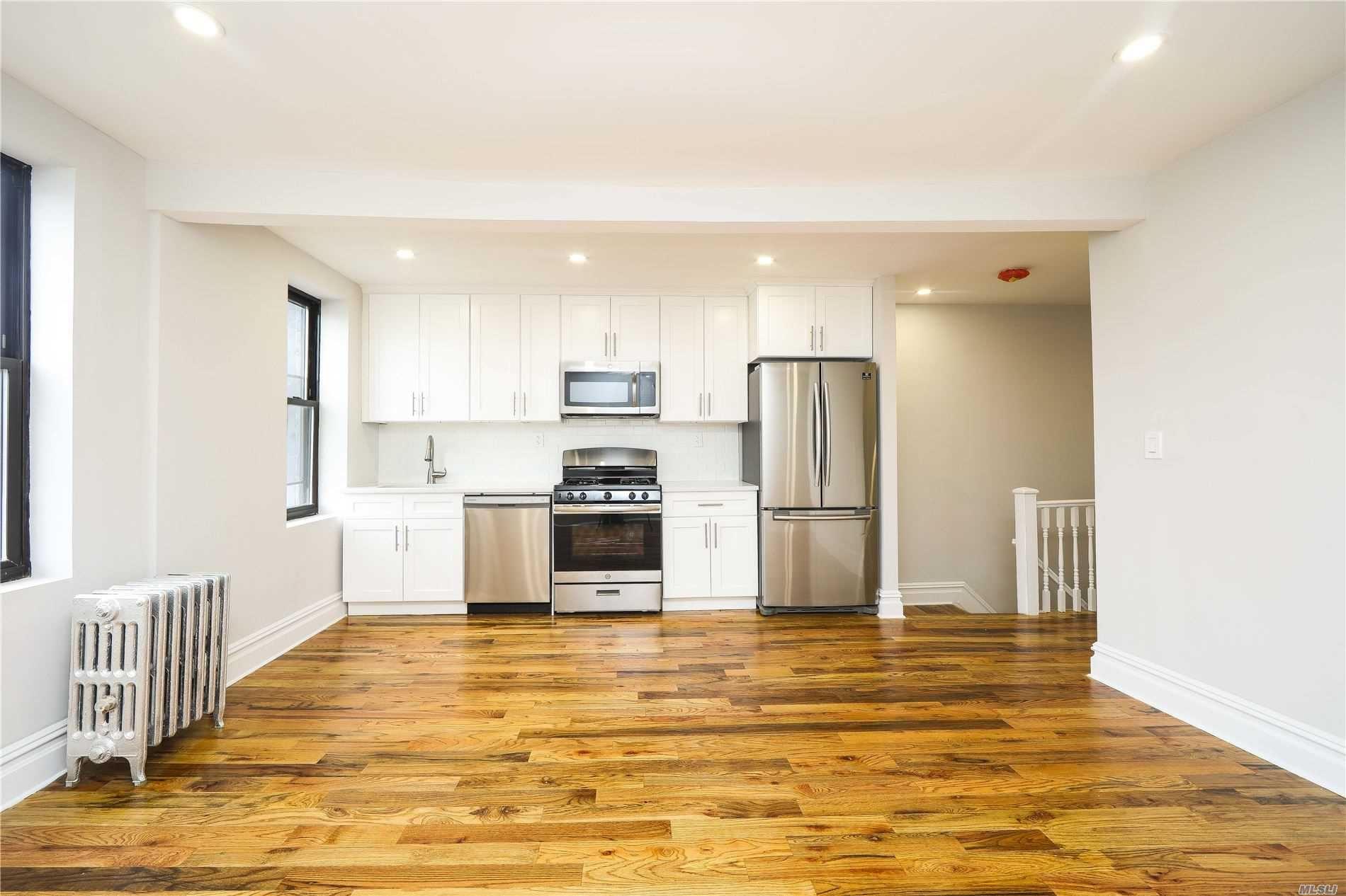 701 E 43rd St, East Flatbush, NY 11203 - MLS#: 3215357