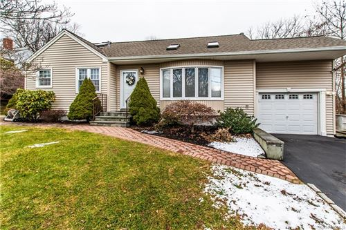 Photo of 33 Laurie Road, Cortlandt Manor, NY 10567 (MLS # H6089360)