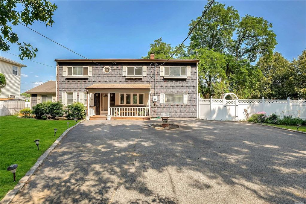 656 Carman Avenue, Westbury, NY 11590 - MLS#: 3146363