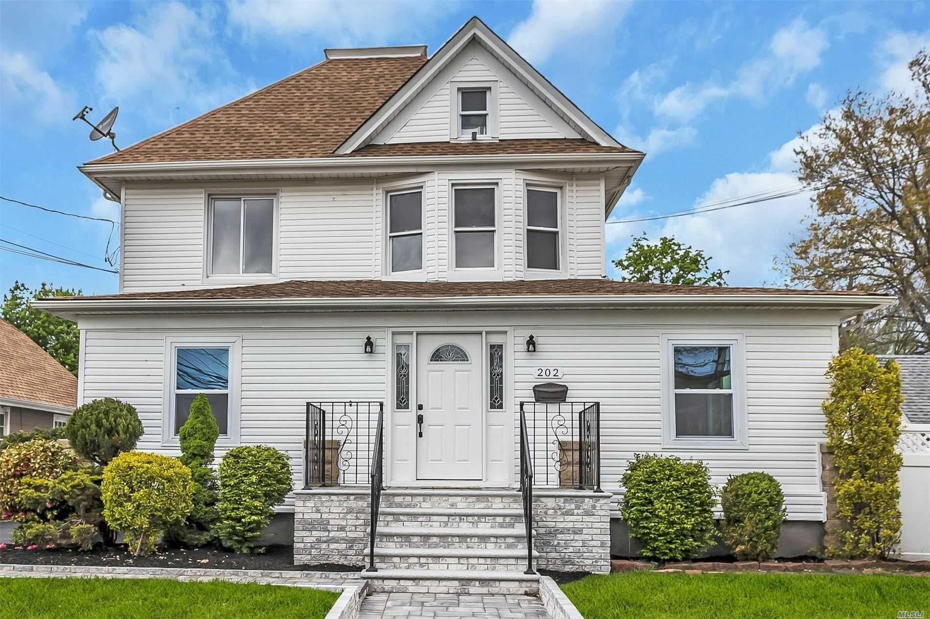 202 Porterfield Pl, Freeport, NY 11520 - MLS#: 3216363
