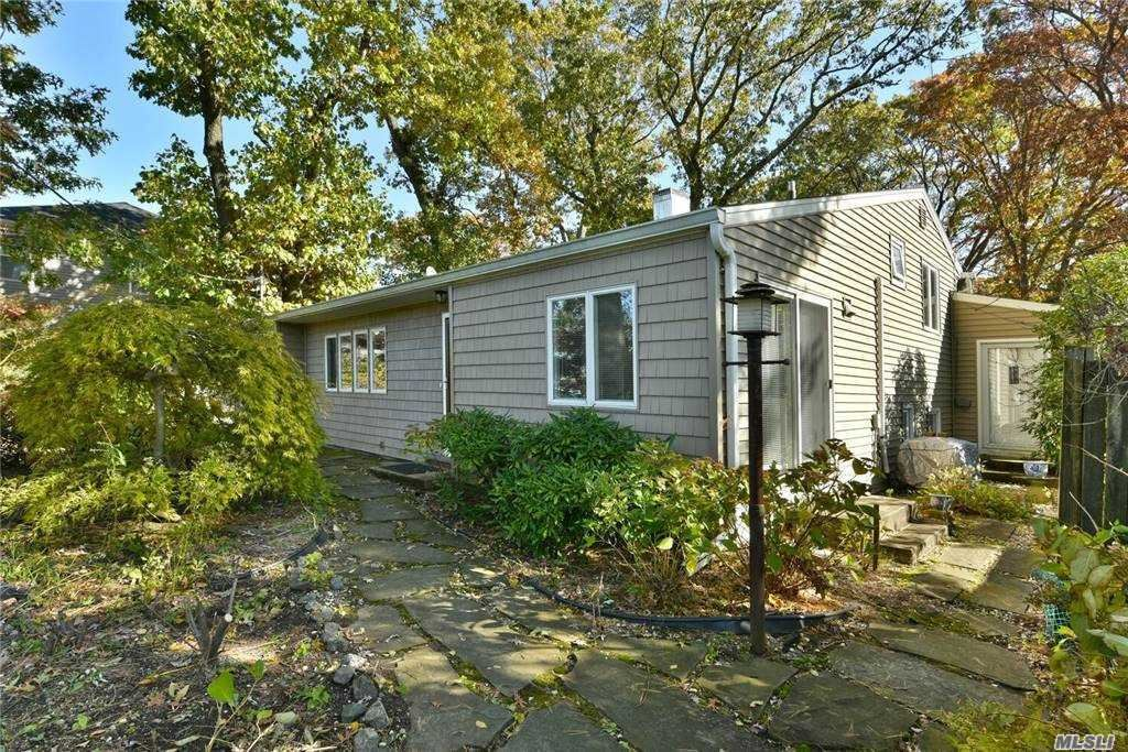 15 Pleasant Avenue, Plainview, NY 11803 - MLS#: 3267363