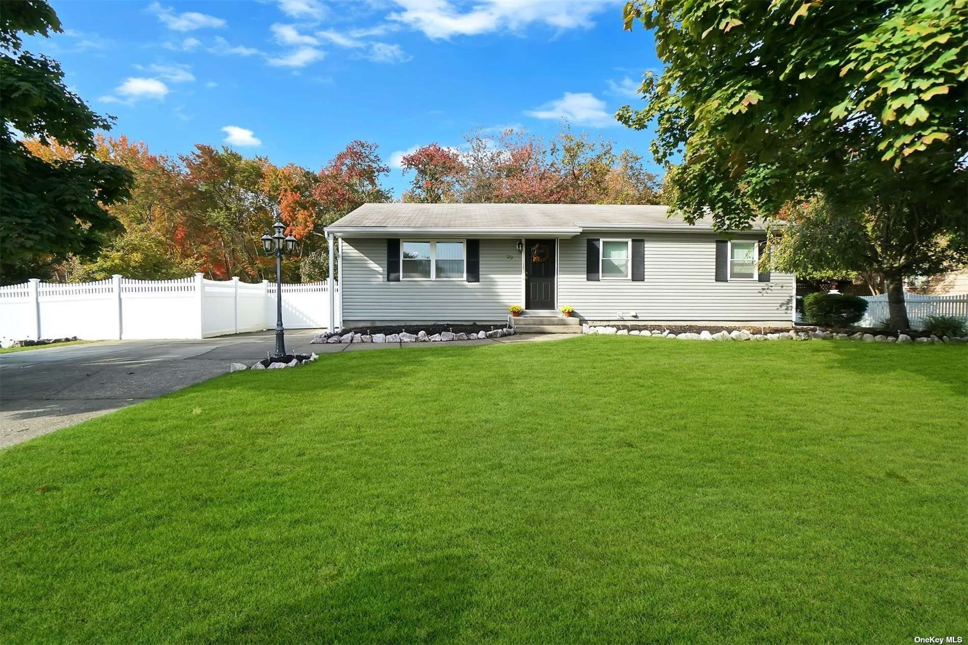 99 Circle Drive, East Patchogue, NY 11772 - #: 3351366
