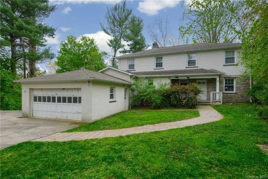 Photo of 14 Appletree Hill, Mount Kisco, NY 10549 (MLS # H6111366)