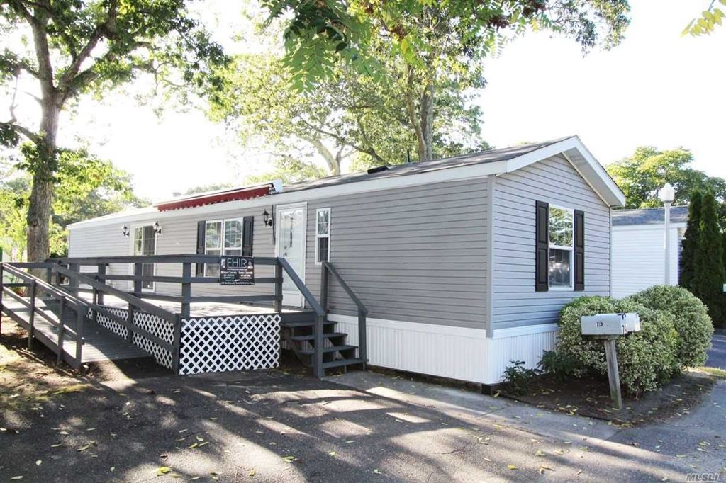 37-79 Hubbard Avenue, Riverhead, NY 11901 - MLS#: 3170368