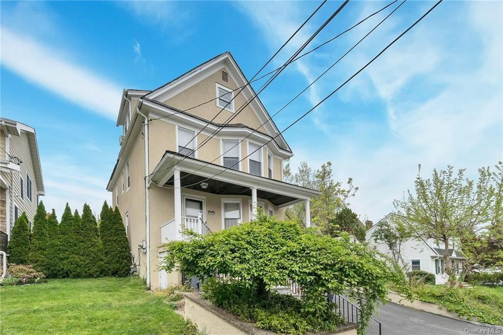 Photo of 17 Richardson Place, Eastchester, NY 10709 (MLS # H6113368)