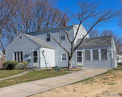 19 Circle Lane, Levittown, NY 11756 - MLS#: 3209369