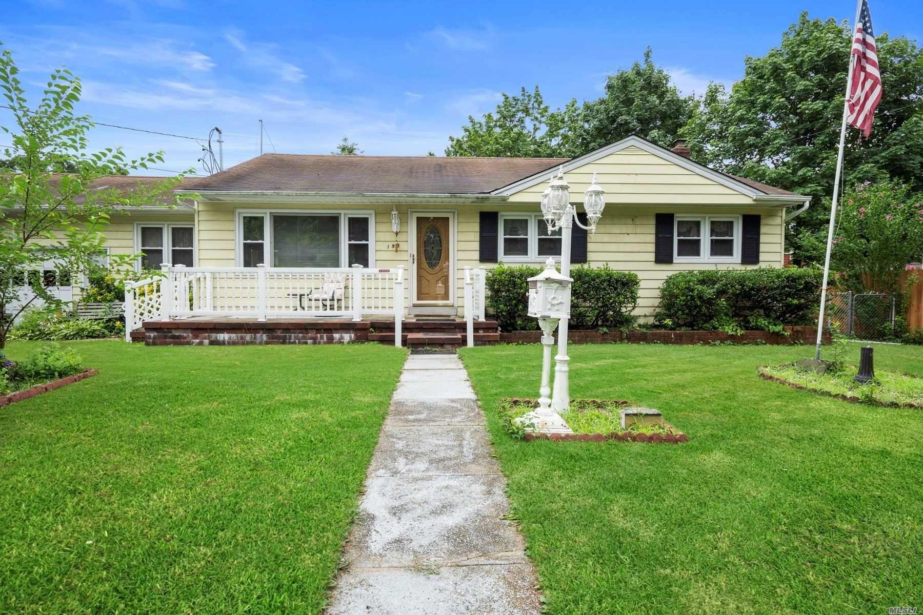 198 Oak Street, Deer Park, NY 11729 - MLS#: 3237369