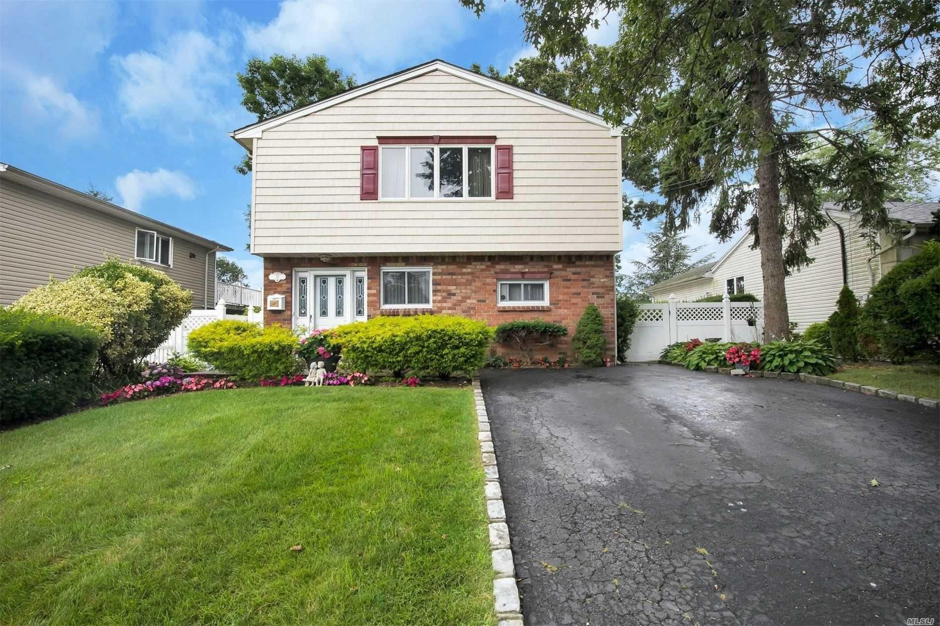 37 Oxford St, Lindenhurst, NY 11757 - MLS#: 3238369