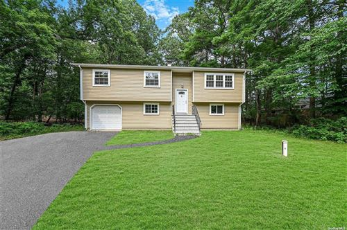 Photo of 5 Miller Place Yaphank Road, Middle Island, NY 11953 (MLS # 3353370)