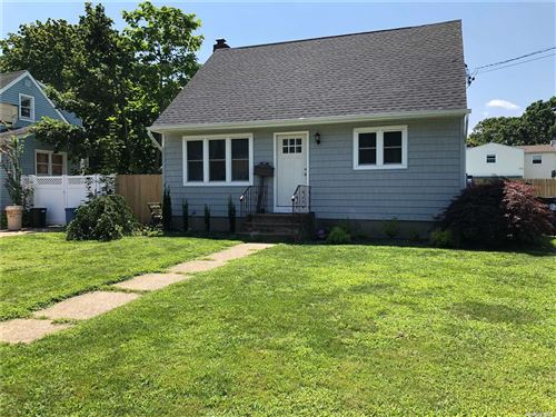 Photo of 306 Aster Road, West Islip, NY 11795 (MLS # 3334371)