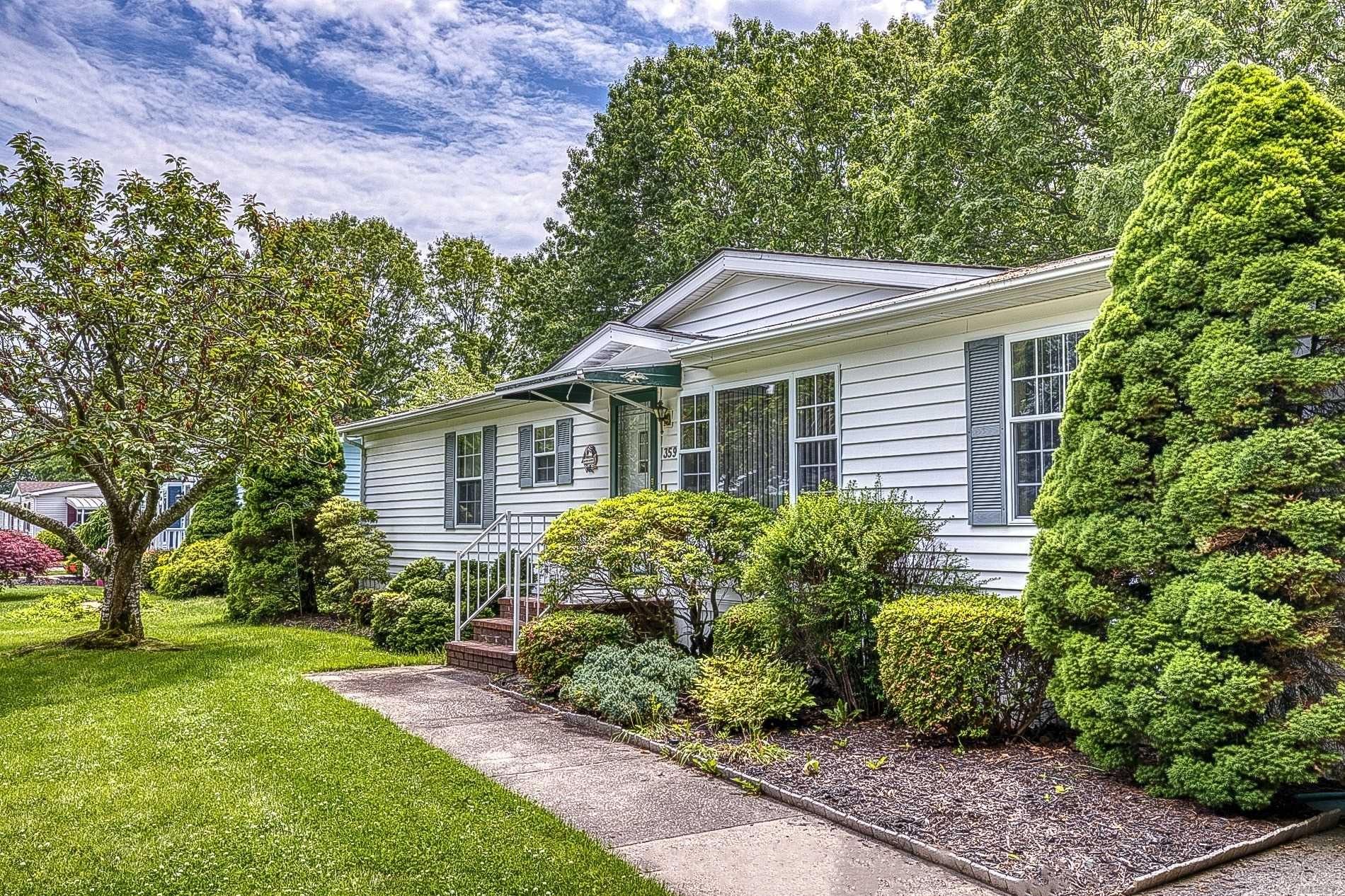 638 Fresh Pond Avenue, Calverton, NY 11933 - MLS#: 3220371