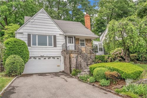 Photo of 14 Dogwood Drive, Scarsdale, NY 10583 (MLS # H6087373)