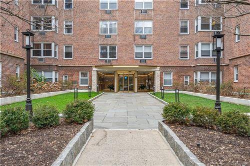 Photo of 120 E Hartsdale Avenue #2P, Hartsdale, NY 10530 (MLS # H6091373)