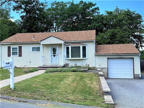 Photo of 15 Woodland Avenue, Middletown, NY 10940 (MLS # H6052376)