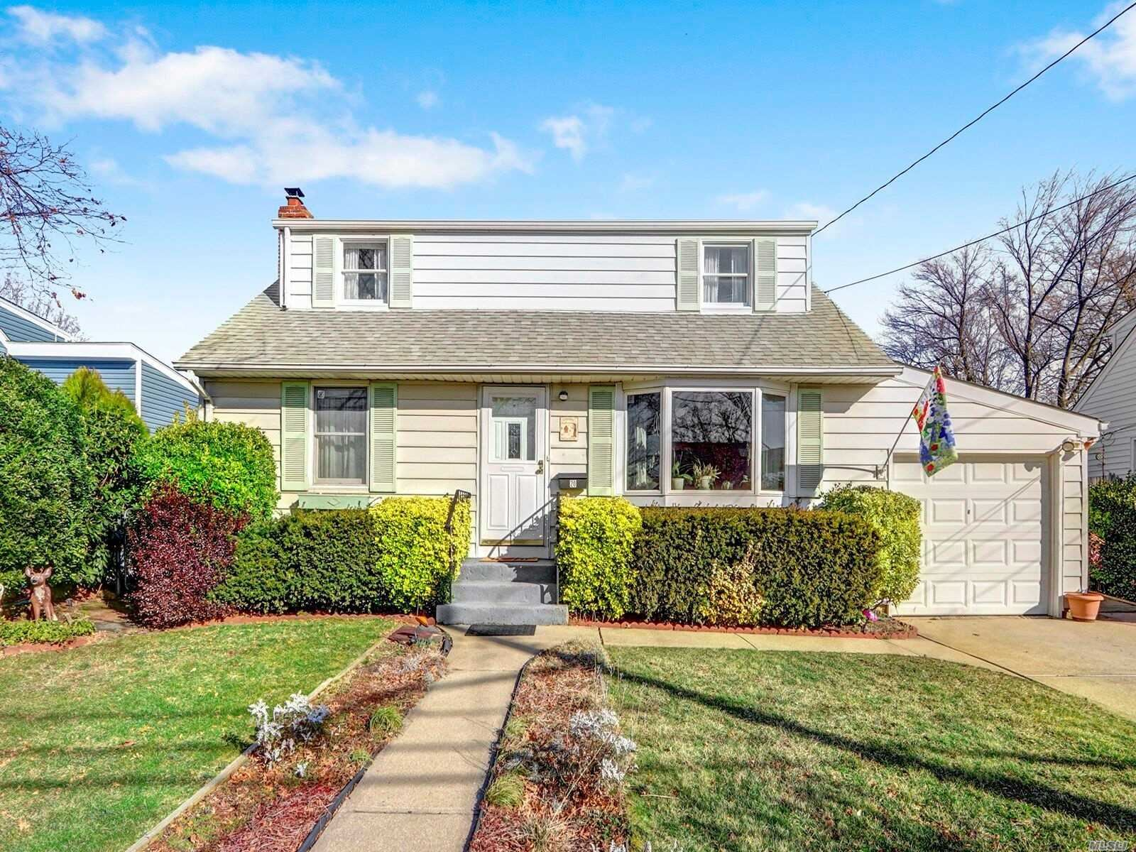 20 Kensington Avenue, Massapequa, NY 11758 - MLS#: 3196377