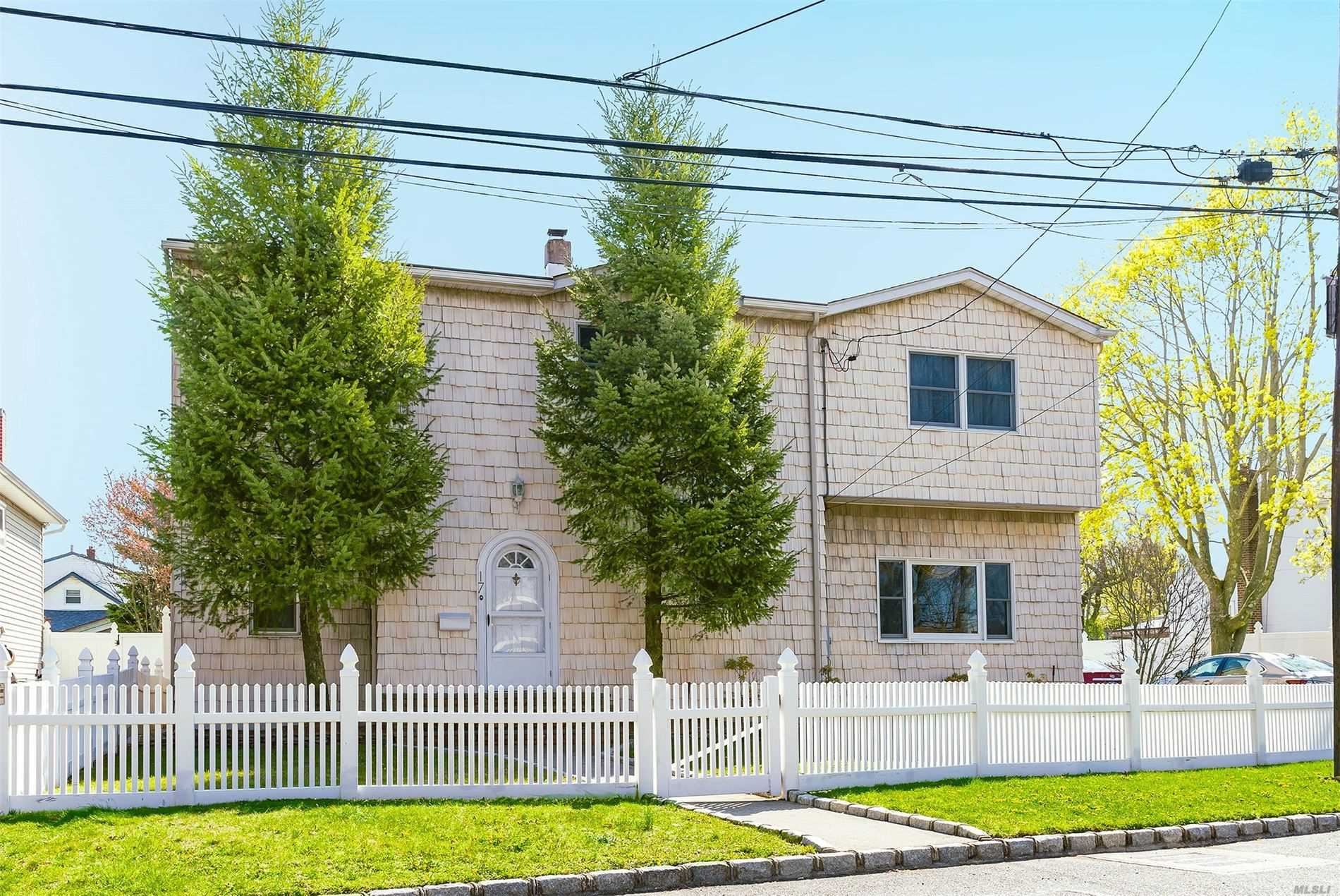 17 Woodridge Ct, West Babylon, NY 11704 - MLS#: 3213377