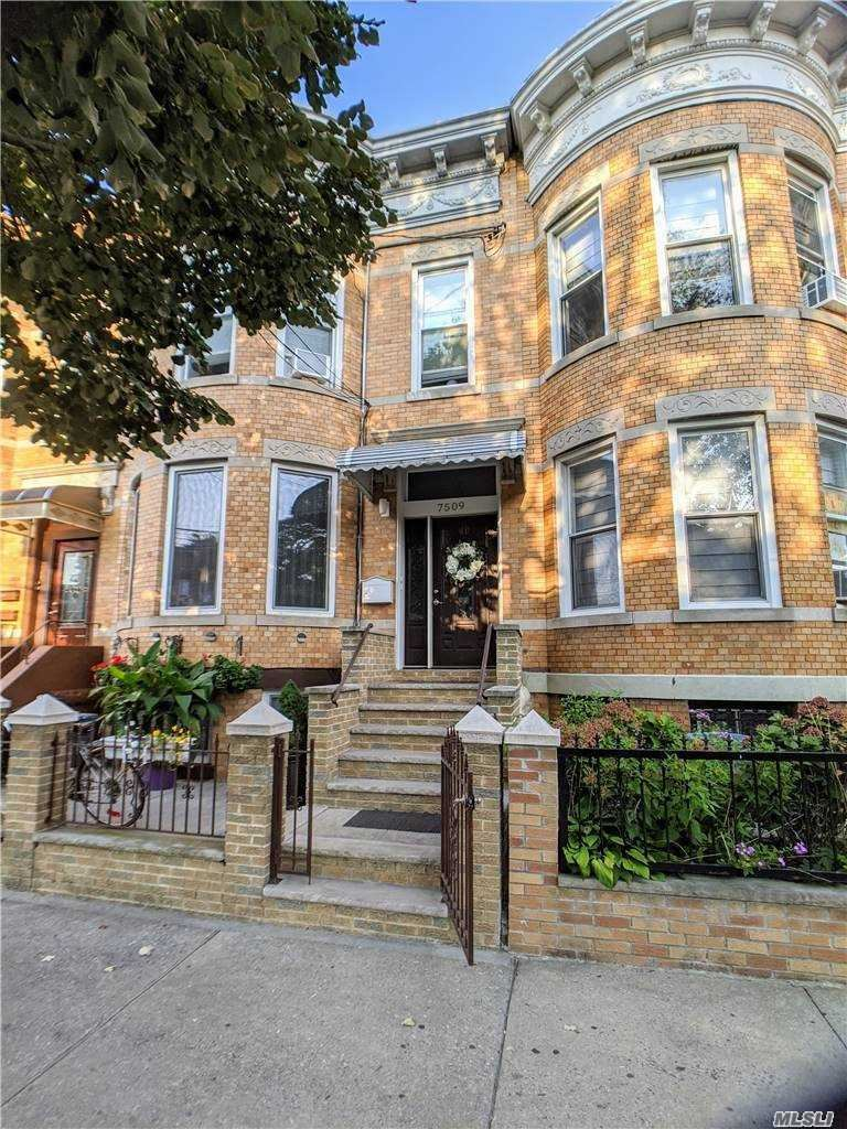 75-09 60th Lane, Ridgewood, NY 11385 - MLS#: 3254377