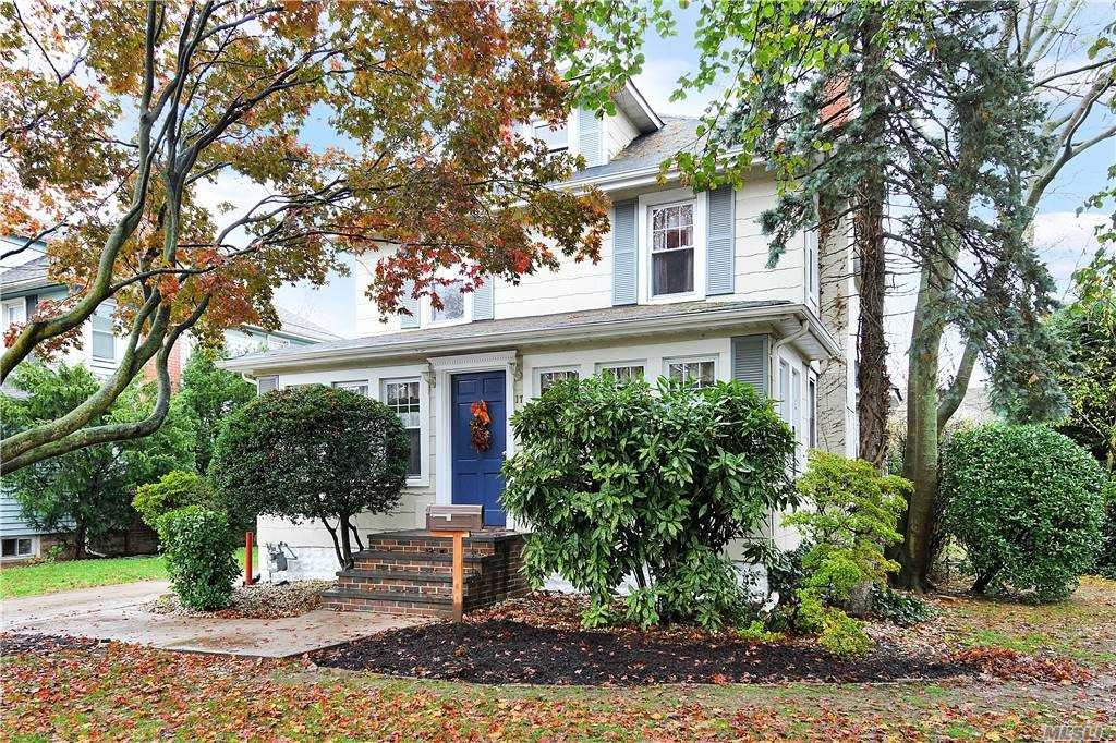 17 Brower Avenue, Rockville Centre, NY 11570 - MLS#: 3270377