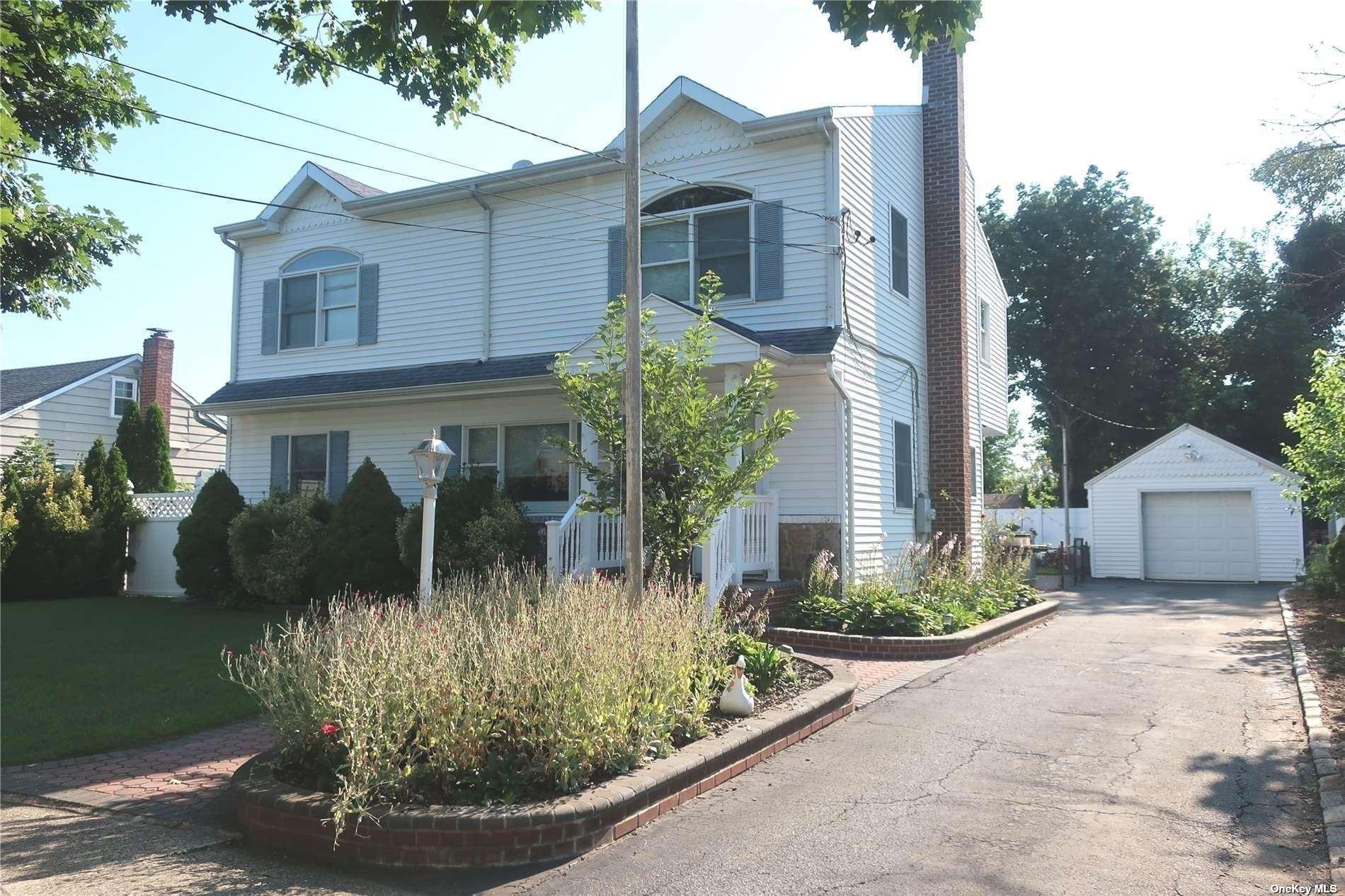 6 Gardner Avenue, Hicksville, NY 11801 - MLS#: 3336377