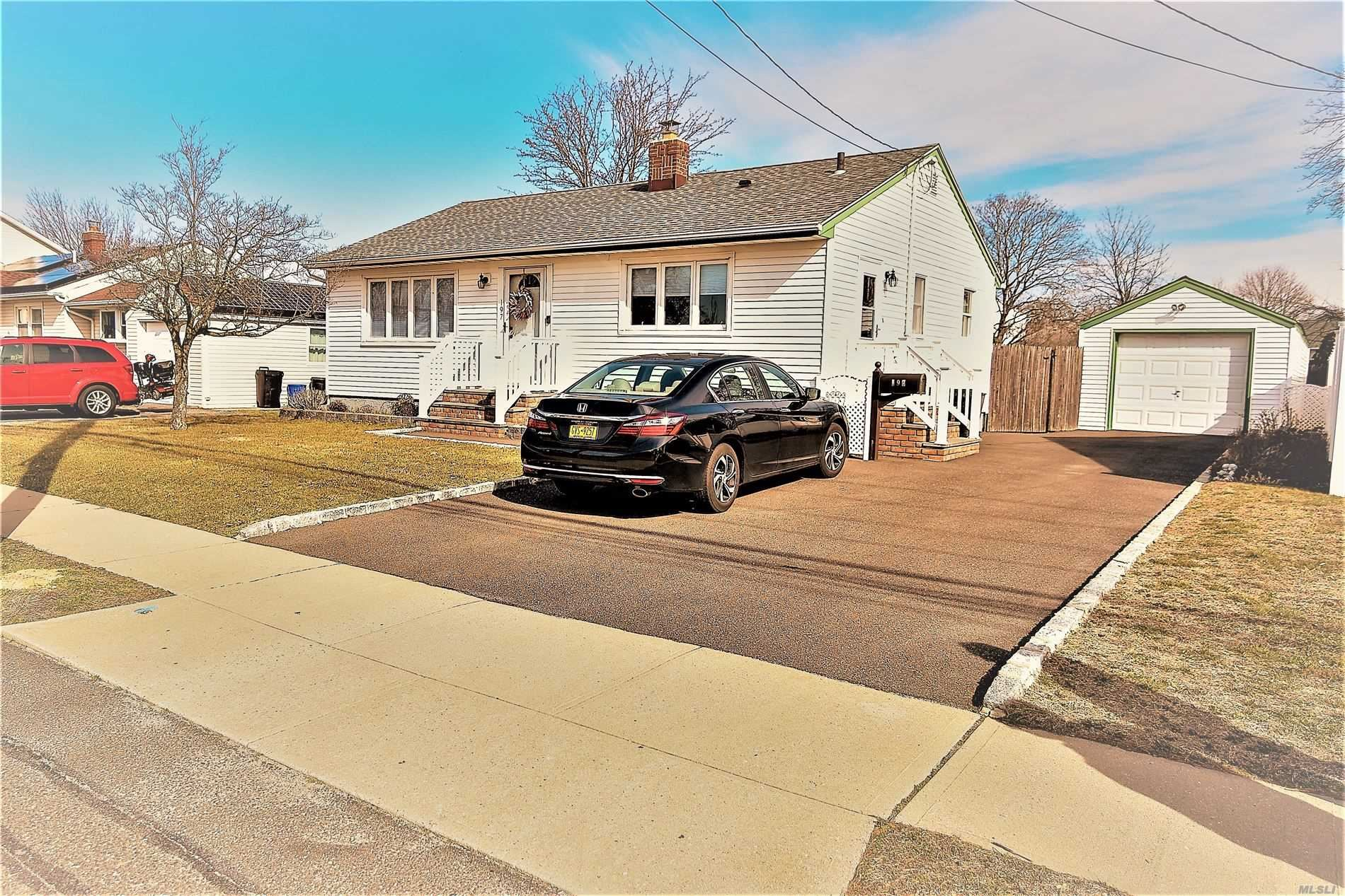 197 Arnold Avenue, West Babylon, NY 11704 - MLS#: 3206378