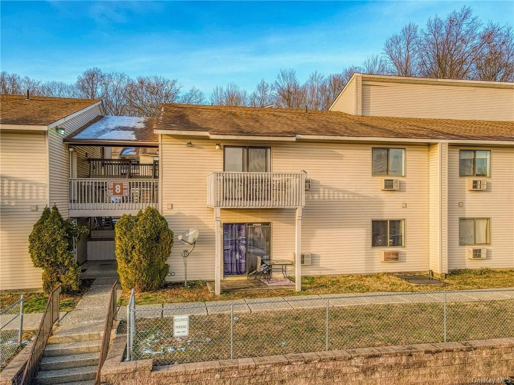 Photo of 340 Concord Lane, Middletown, NY 10940 (MLS # H6086378)