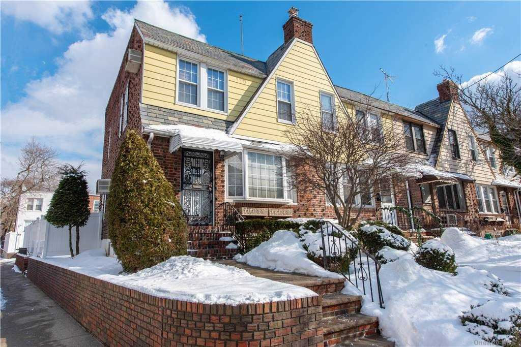 65-01 77th Street, Middle Village, NY 11379 - MLS#: 3288380