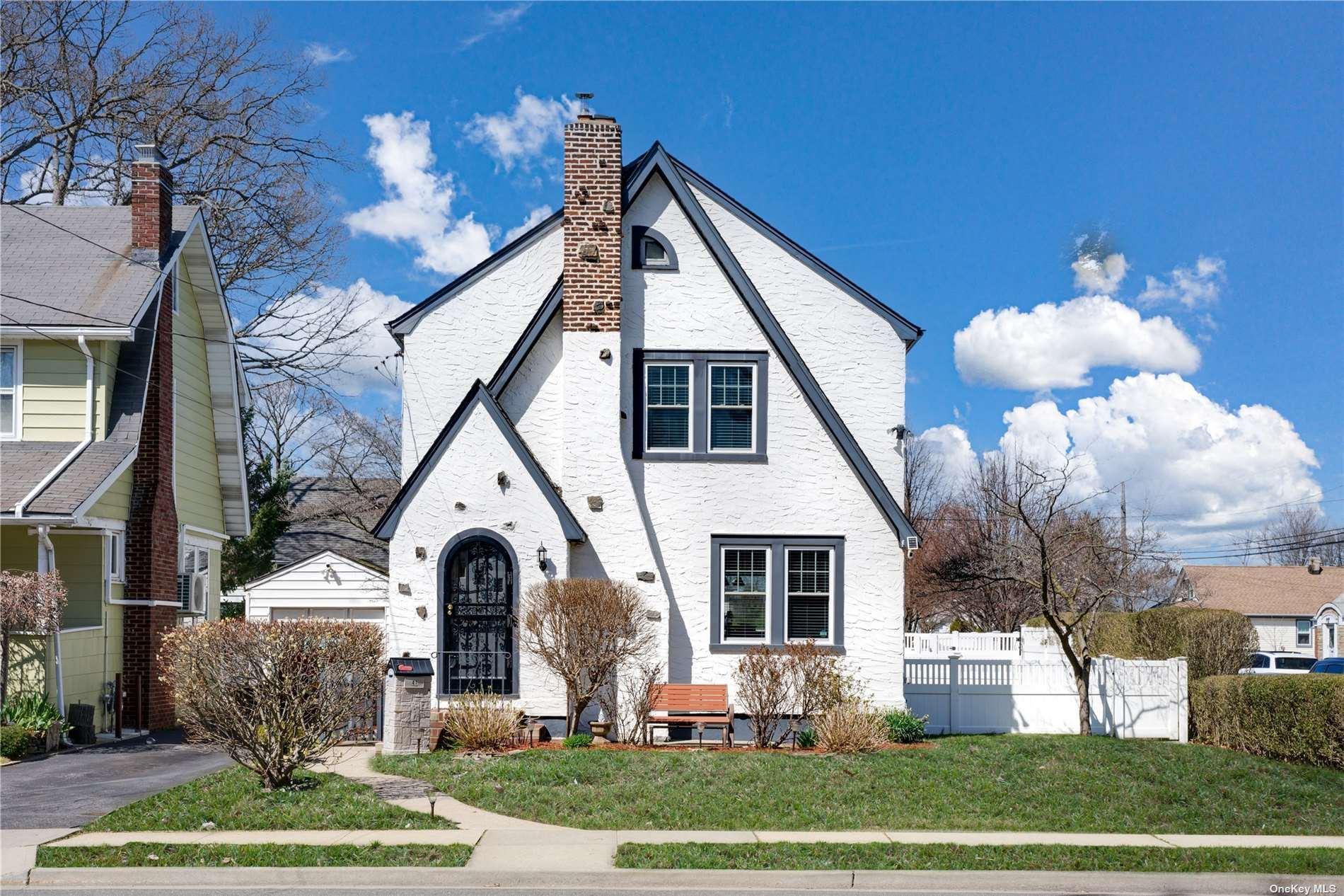 47 Lawrence Avenue, Lynbrook, NY 11563 - MLS#: 3300380